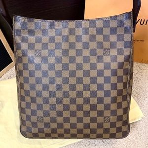 Louis Vuitton Bags - Louis Vuitton Looping GM Damier Ebene Shoulder Bag